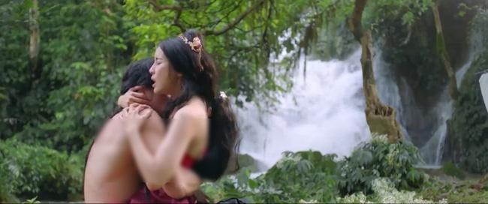 "Ve goi cam cua Cao Thai Ha dong canh nong dung tuc trong ""Kieu"""