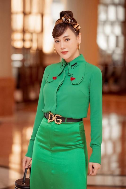 "Dien cay xanh ra mat phim moi, Phuong Oanh bi treu ""con sau rau""-Hinh-2"