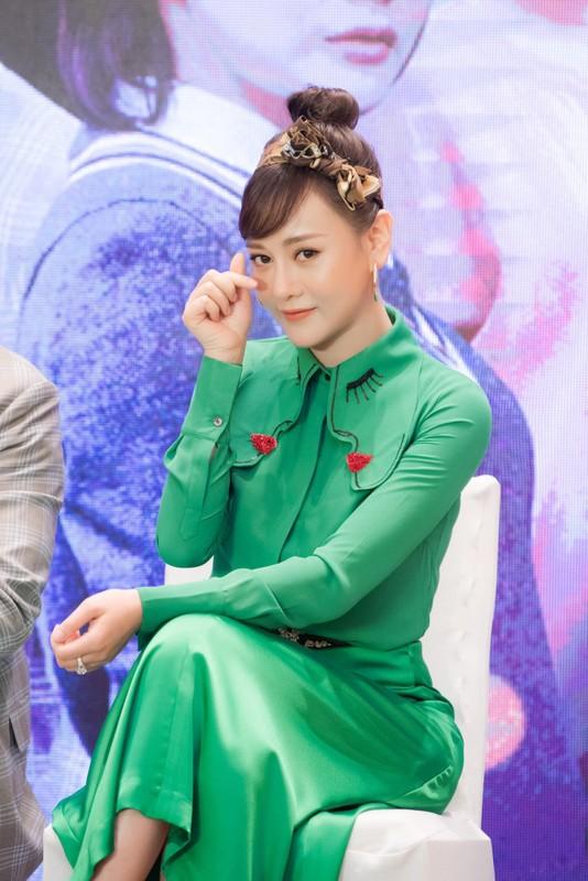 "Dien cay xanh ra mat phim moi, Phuong Oanh bi treu ""con sau rau""-Hinh-3"