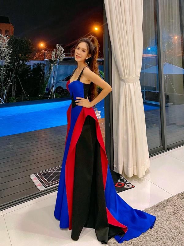 Vo Ly Hai khoe eo thon, dang nuot sau 4 lan sinh no-Hinh-4
