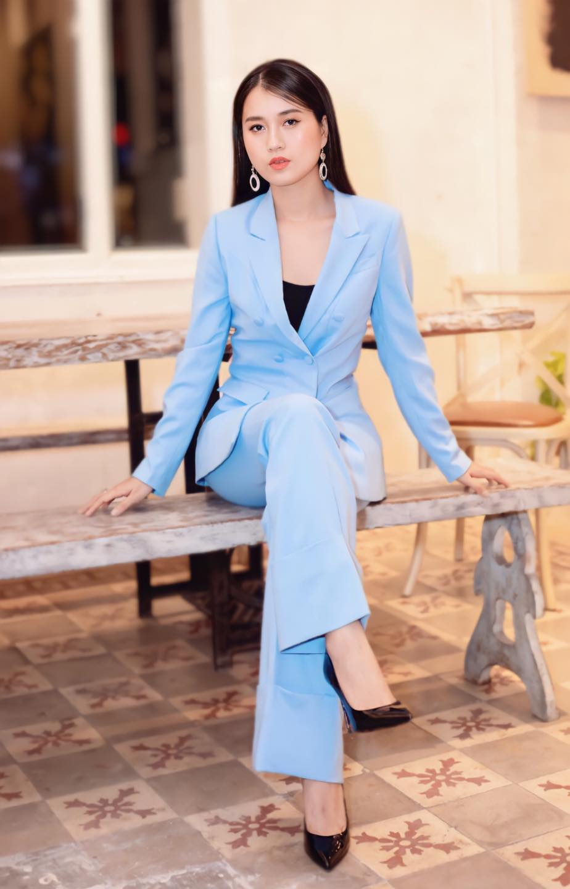"Lam Vy Da ""thang hang"" nhan sac chinh ban than cung ngo ngang-Hinh-9"