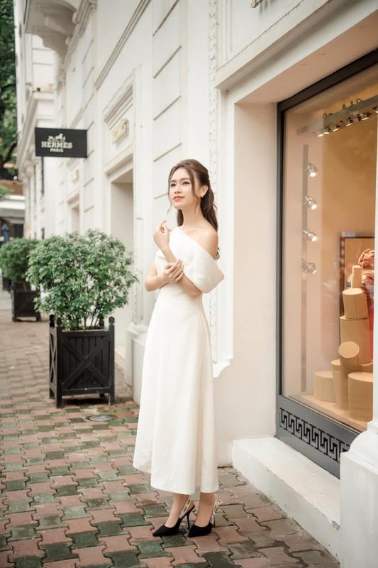 Nhan sac ngot ngao cua Top 10 HHVN 2016 lam giang vien o tuoi 24-Hinh-3