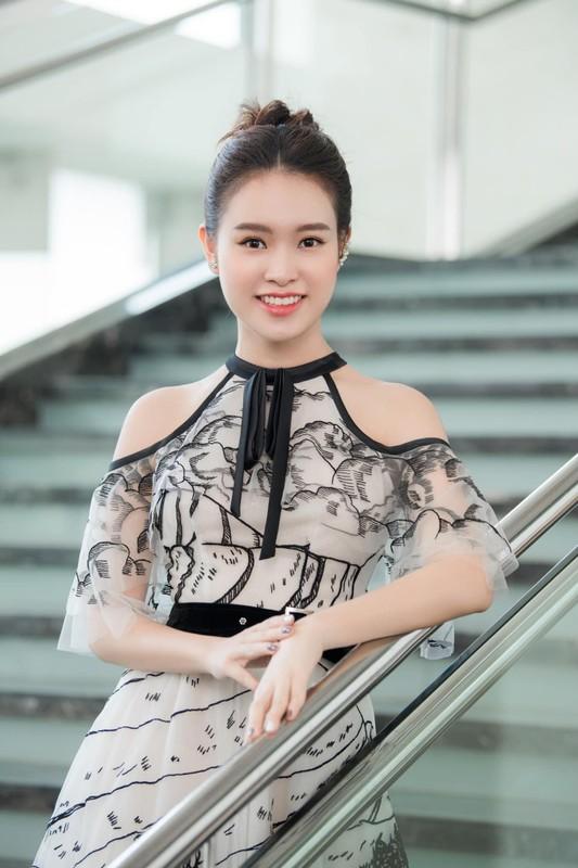 Nhan sac ngot ngao cua Top 10 HHVN 2016 lam giang vien o tuoi 24-Hinh-6