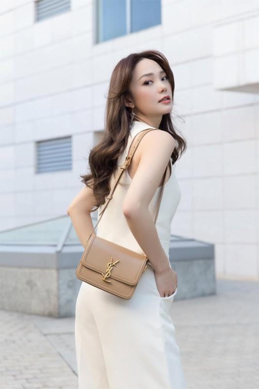 Minh Hang luc xinh rang ngoi luc bien dang kho nhan ra-Hinh-6