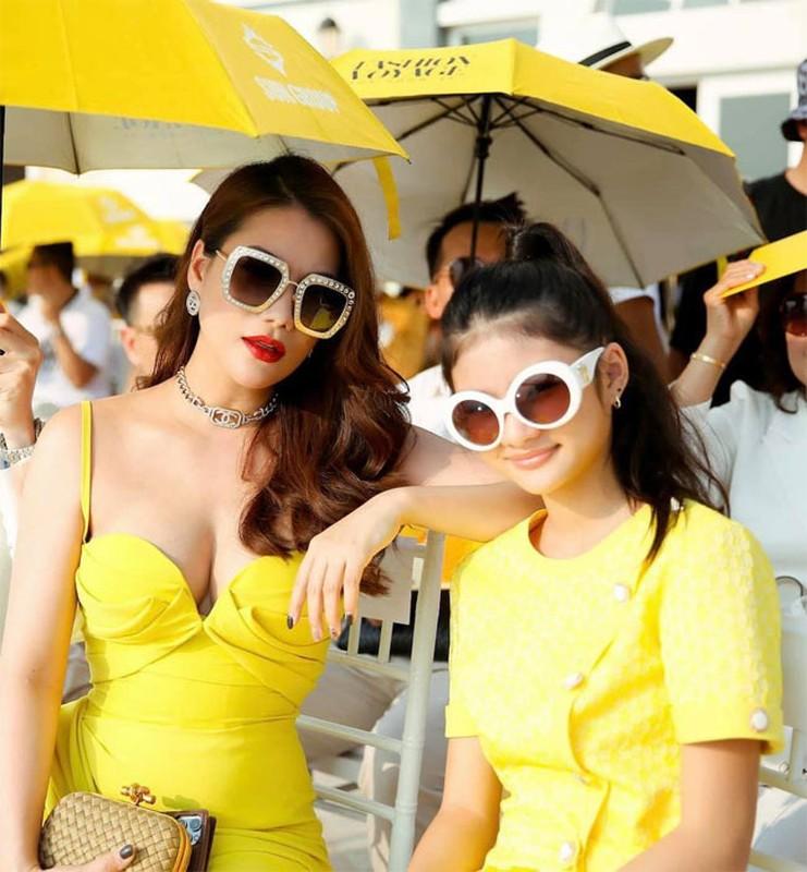 Thoi trang khoe body goi cam cua Truong Ngoc Anh-Hinh-3