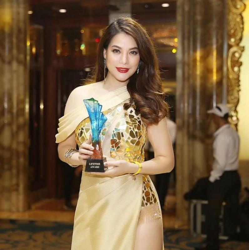 Thoi trang khoe body goi cam cua Truong Ngoc Anh-Hinh-7