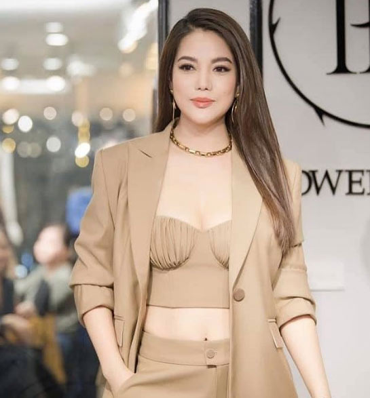 Thoi trang khoe body goi cam cua Truong Ngoc Anh-Hinh-8