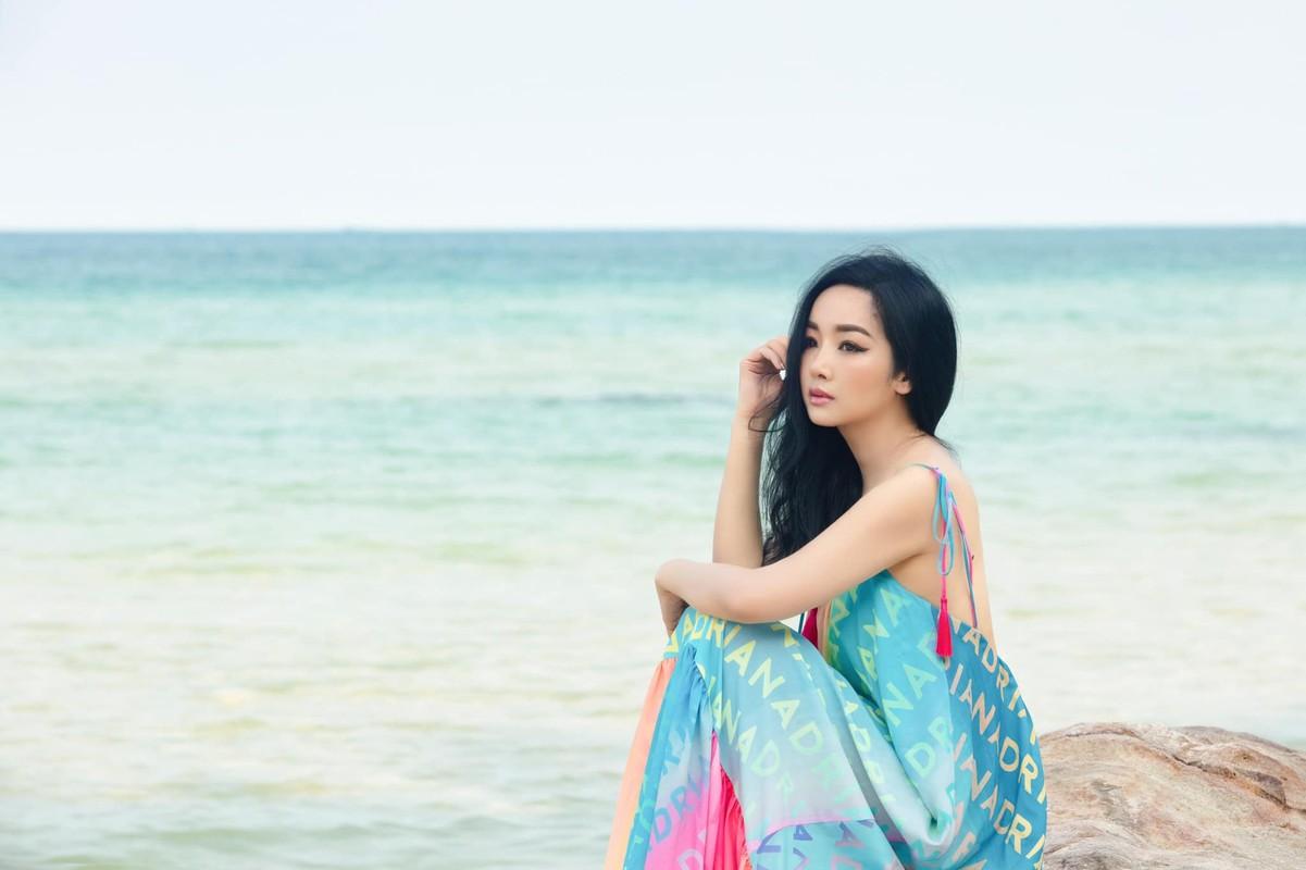 """Hoa hau Giang My dep hung ho """"an dut"""" thieu nu doi muoi-Hinh-2"""