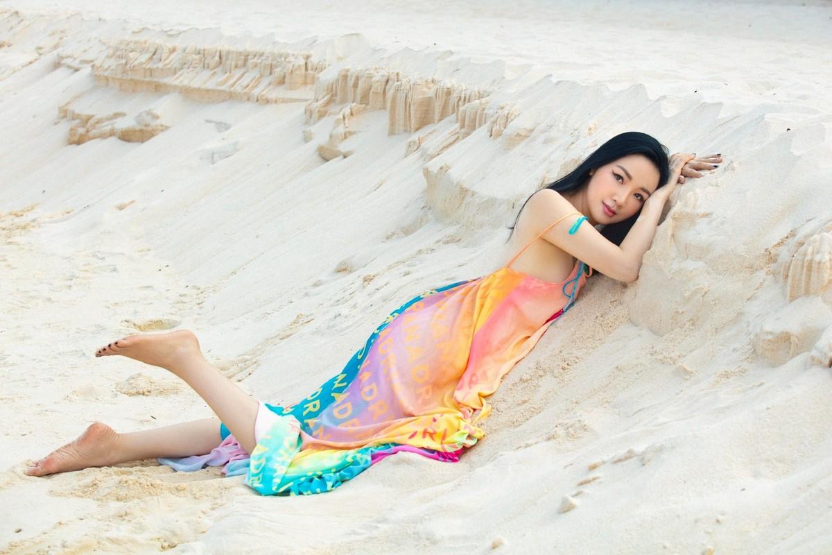 """Hoa hau Giang My dep hung ho """"an dut"""" thieu nu doi muoi-Hinh-3"""