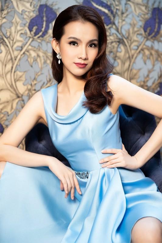 My nhan dau tien dang quang Hoa hau Hoan vu Viet Nam gio ra sao?-Hinh-2