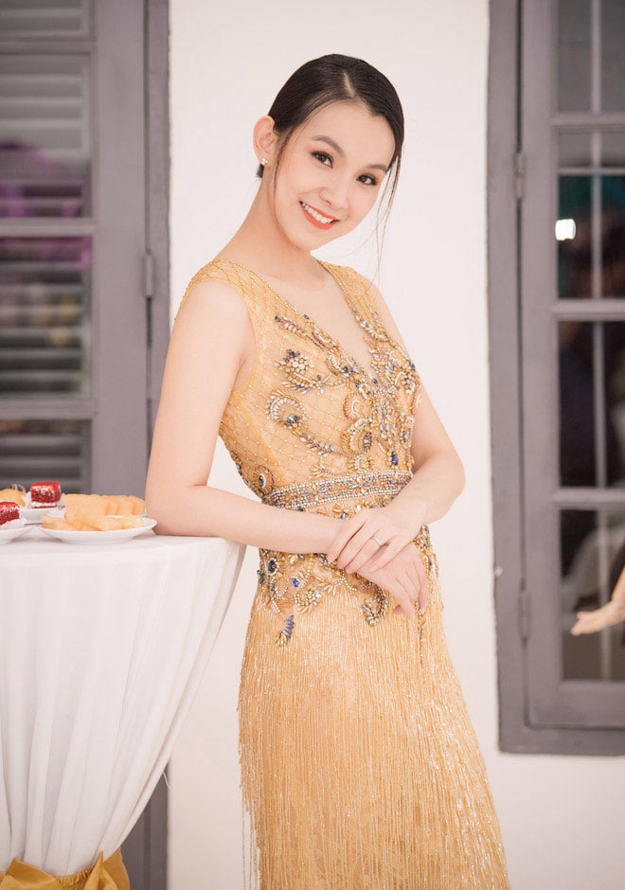 My nhan dau tien dang quang Hoa hau Hoan vu Viet Nam gio ra sao?-Hinh-8