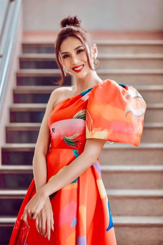 Nhan sac Vo Hoang Yen: Luc tan ta khong ngo, khi than thai ngut ngan-Hinh-8