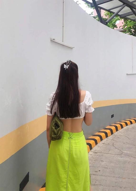 Phung Truong Tran Dai khoe eo thon, nguc no nhung lai lo diem yeu-Hinh-4