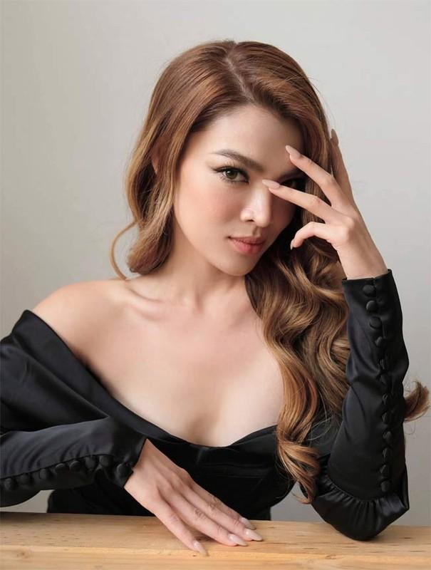 Phung Truong Tran Dai khoe eo thon, nguc no nhung lai lo diem yeu-Hinh-9