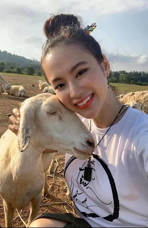 Angela Phuong Trinh mac kin nhu bung van dep goi cam-Hinh-4