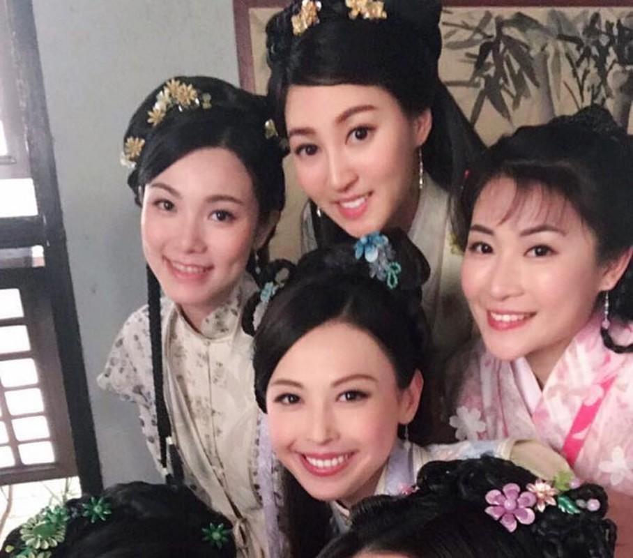 Nhan sac A hau Hong Kong duoc chong cu chia 900 ty sau ly hon-Hinh-5