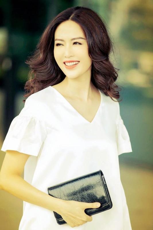 Nhan sac Hoa hau Thu Thuy sau 27 nam dang quang-Hinh-4
