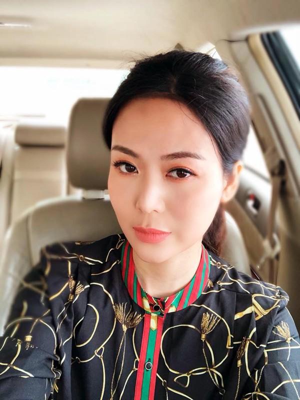 Nhan sac Hoa hau Thu Thuy sau 27 nam dang quang-Hinh-6