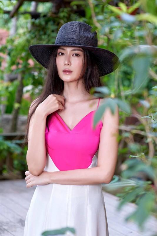 Nhan sac Hoa hau Thu Thuy sau 27 nam dang quang-Hinh-9