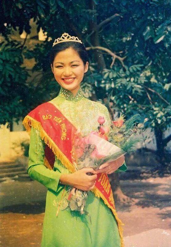 Nhan sac Hoa hau Thu Thuy sau 27 nam dang quang