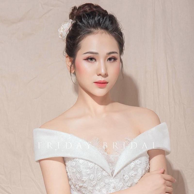 Nhan sac ban gai moi kem 10 tuoi cua Vu Duy Khanh-Hinh-7