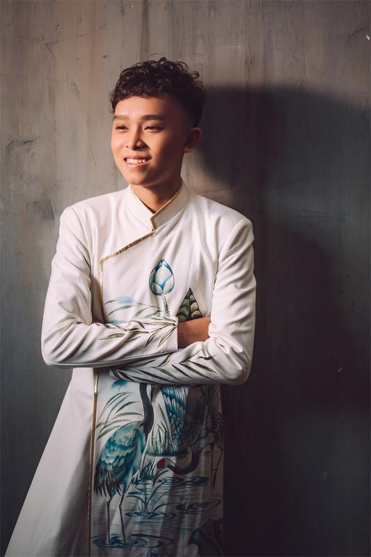Ho Van Cuong lon phong phao sau 5 nam thang Than tuong am nhac nhi-Hinh-9