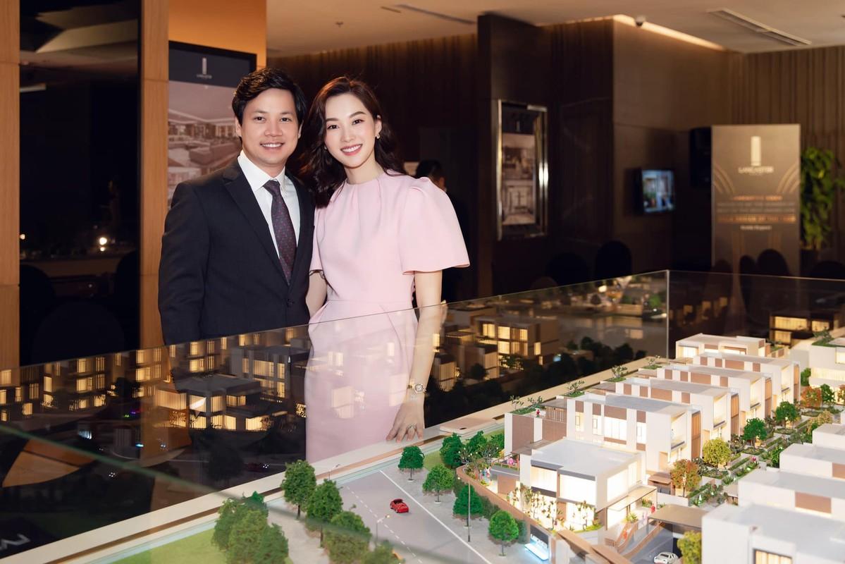 Hoa hau Dang Thu Thao dang anh hanh phuc chuc mung sinh nhat chong-Hinh-3