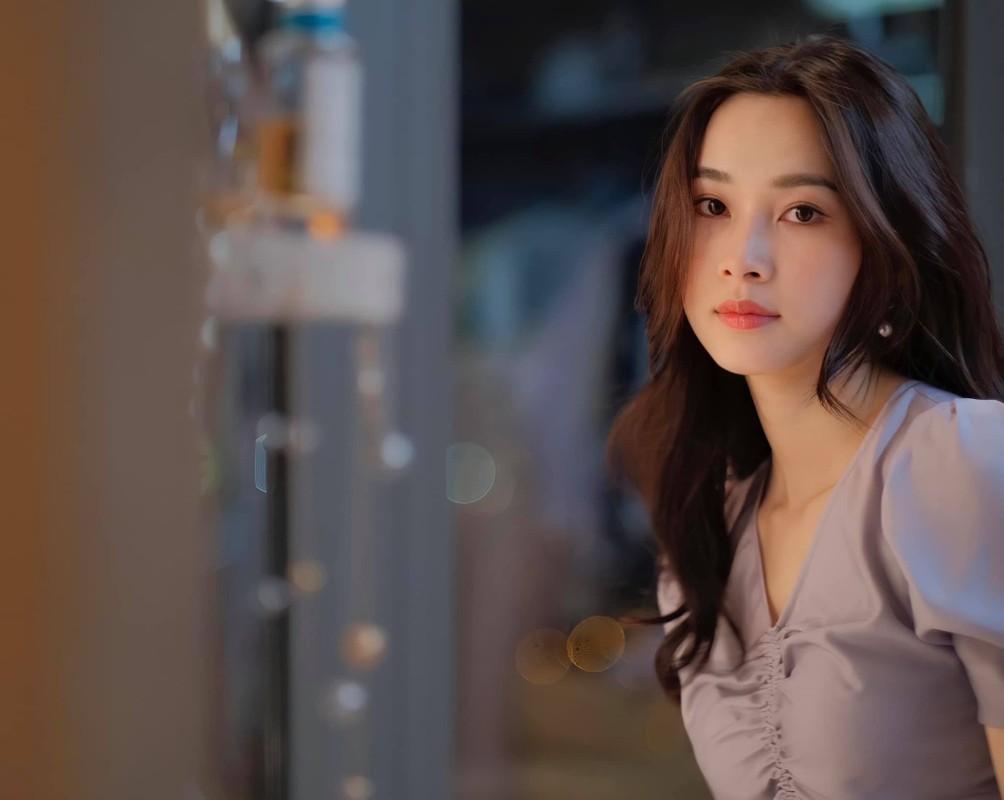Hoa hau Dang Thu Thao dang anh hanh phuc chuc mung sinh nhat chong-Hinh-8