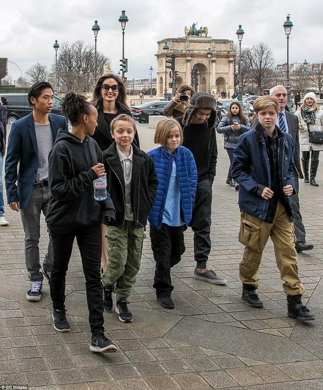Pax Thien thay doi the nao khi la con nuoi Angelina Jolie - Brad Pitt?-Hinh-7