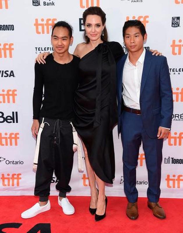 Dan con nuoi cua Angelina Jolie – Brad Pitt lon phong phao kho nhan ra-Hinh-5