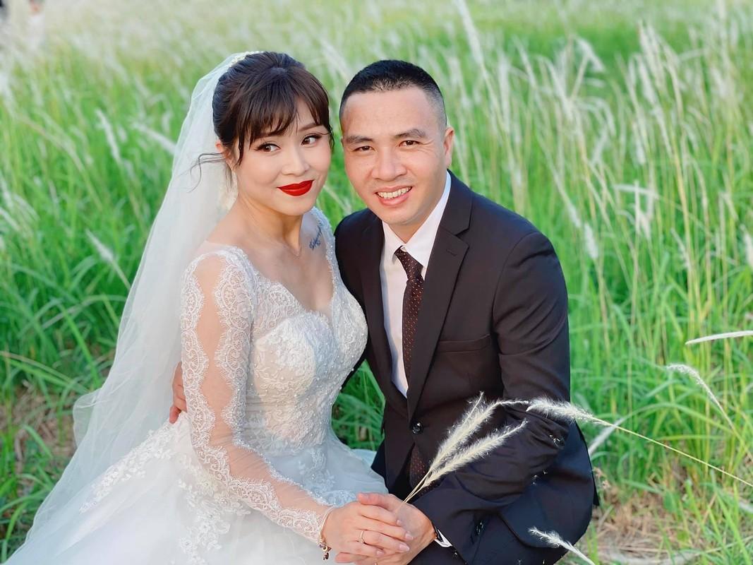 Moi nam chup anh cuoi 1 lan, MC Hoang Linh hanh phuc vien man-Hinh-2