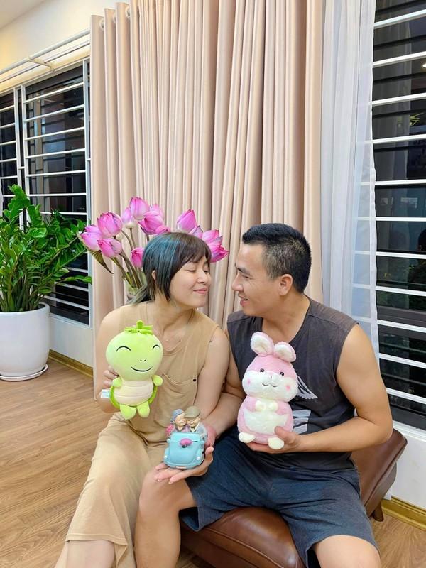 Moi nam chup anh cuoi 1 lan, MC Hoang Linh hanh phuc vien man-Hinh-3