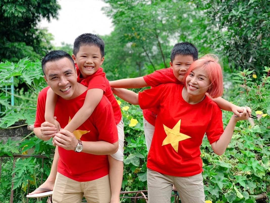 Moi nam chup anh cuoi 1 lan, MC Hoang Linh hanh phuc vien man-Hinh-5