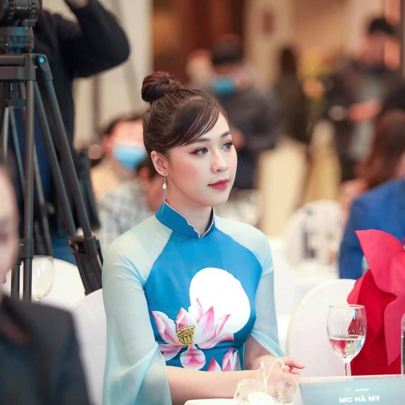 "Nhan sac ""keo ngot"" cua MC Ha My duoc ""ong chu"" trieu do cau hon-Hinh-6"