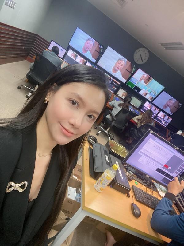 MC Minh Ha ngay cang xinh dep nong bong-Hinh-9