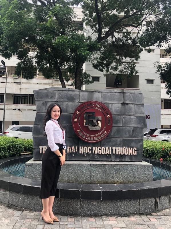 "Duong cong goi cam cua co nang ""tra xanh"" trong ""Huong vi tinh than""-Hinh-5"