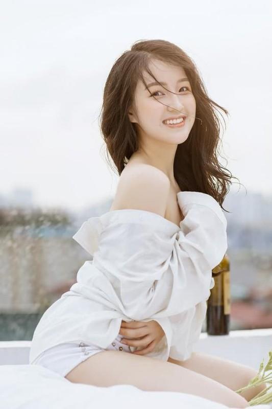 "Duong cong goi cam cua co nang ""tra xanh"" trong ""Huong vi tinh than""-Hinh-8"