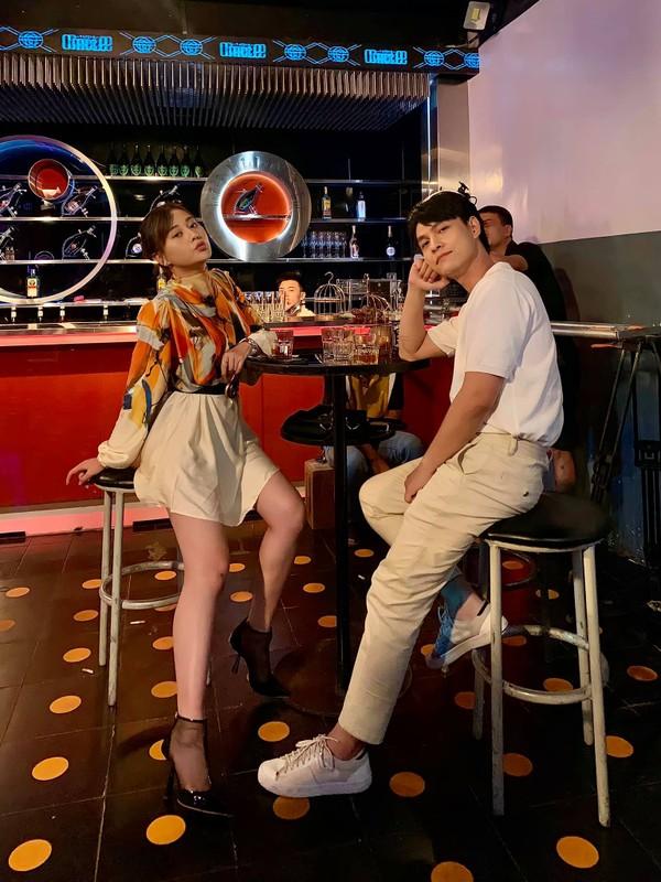 """Dung mao ban trai moi cua Phuong Oanh trong """"Huong vi tinh than""""-Hinh-2"""