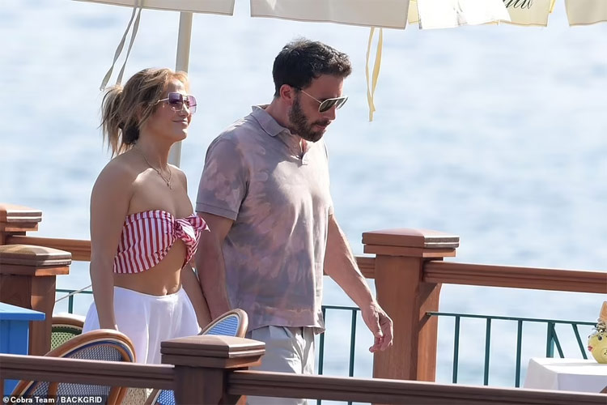 Jennifer Lopez quan quyt ben Ben Affleck dip sinh nhat 52 tuoi-Hinh-10