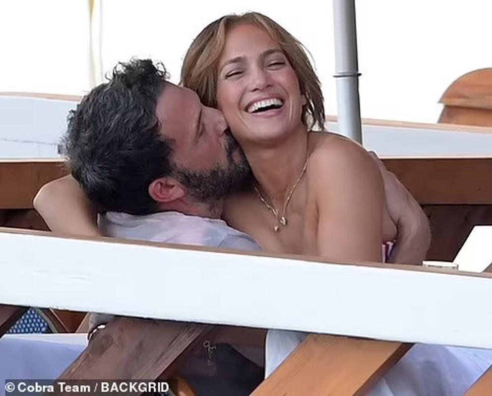 Jennifer Lopez quan quyt ben Ben Affleck dip sinh nhat 52 tuoi-Hinh-2