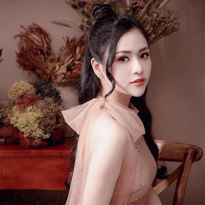 """""""Cao gia"""" trong Huong vi tinh than, ngoai doi Viet Hoa the nao?-Hinh-5"""