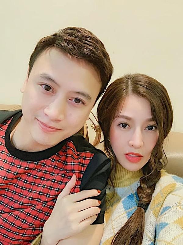Que Van khoe dang nuot sau 1 thang sinh con trai thu ba-Hinh-2