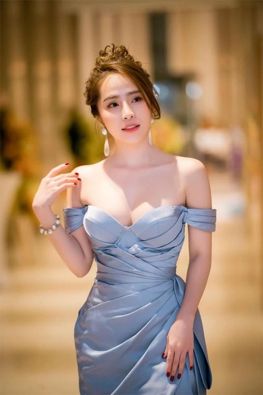 """Ca sau chua"" Quynh Nga chuong vay ao khoe vong 1 nghet tho-Hinh-9"