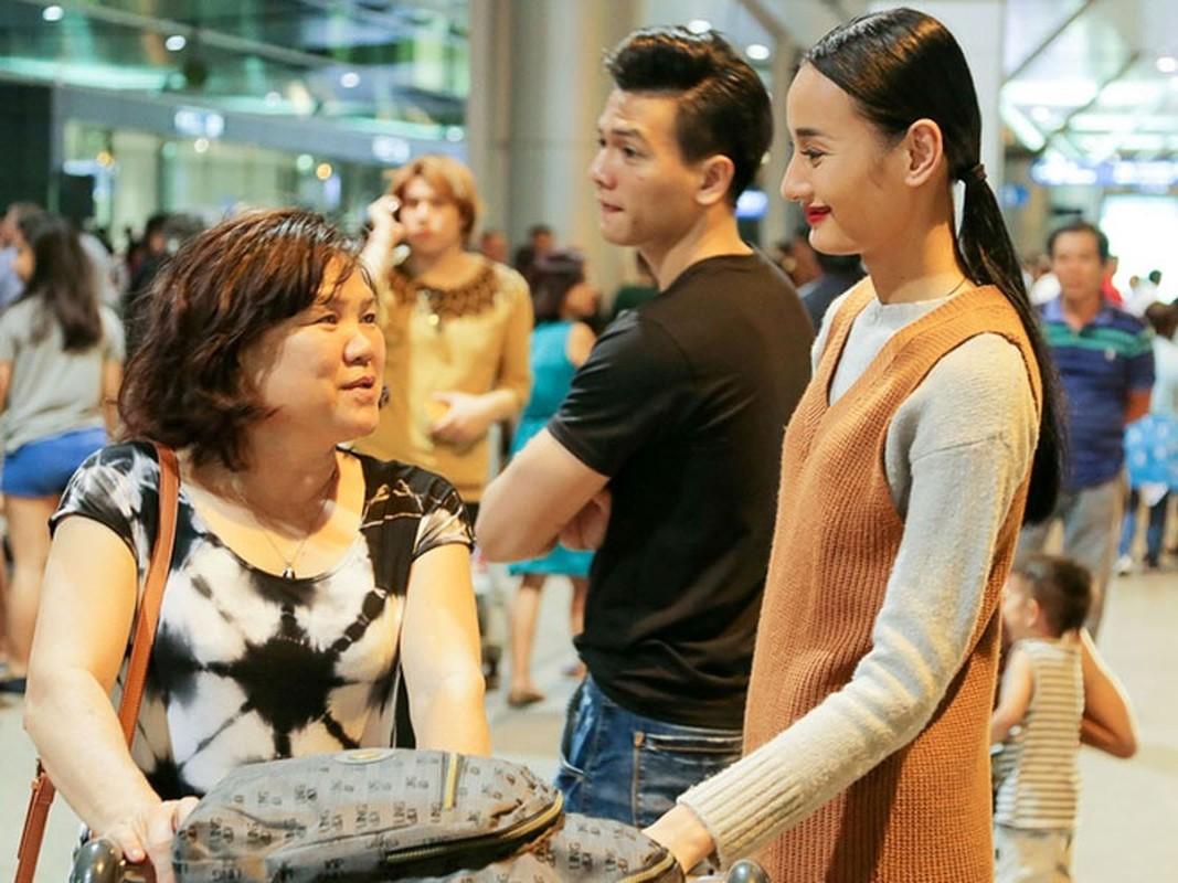My nhan Viet di lam dau duoc bo me chong cung nhu con gai-Hinh-6
