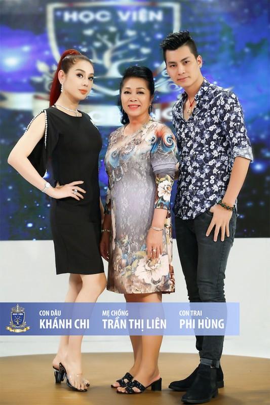 My nhan Viet di lam dau duoc bo me chong cung nhu con gai