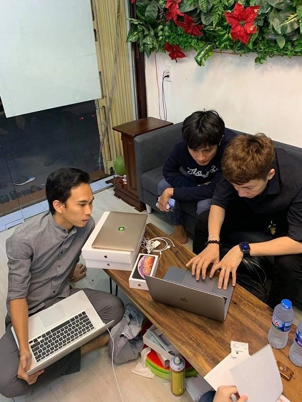 """Loat anh chung minh """"fan cung"""" Apple khong ai khac ngoai Ngo Kien Huy-Hinh-6"""