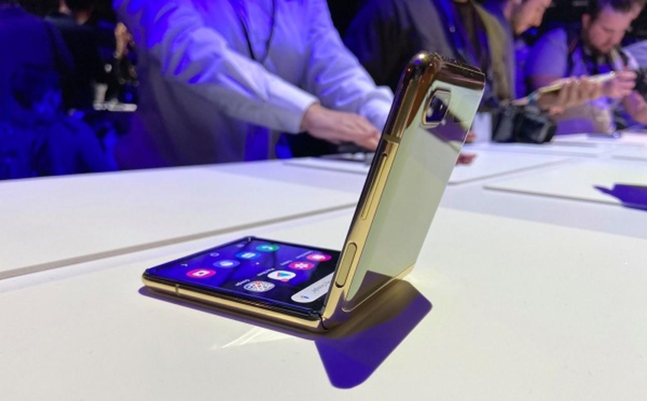 Galaxy Z Flip nut vo ngay lan gap mo dau tien: Nguyen do o dau?-Hinh-7