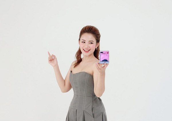 Hot reviewer Phuong Anh Payo goi y phoi do an tuong cung Galaxy Z Flip-Hinh-10