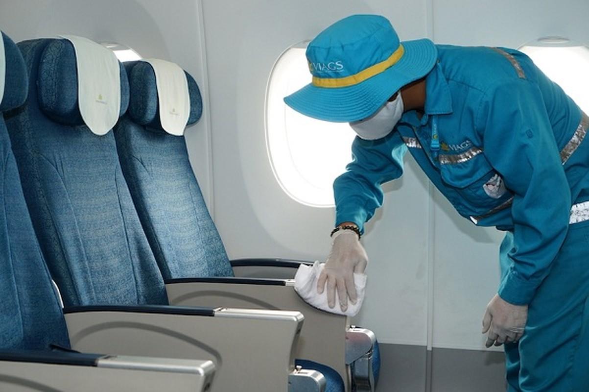Hang loat tau bay chang noi dia duoc Vietnam Airlines khu trung, chong Covid-19 the nao?-Hinh-5
