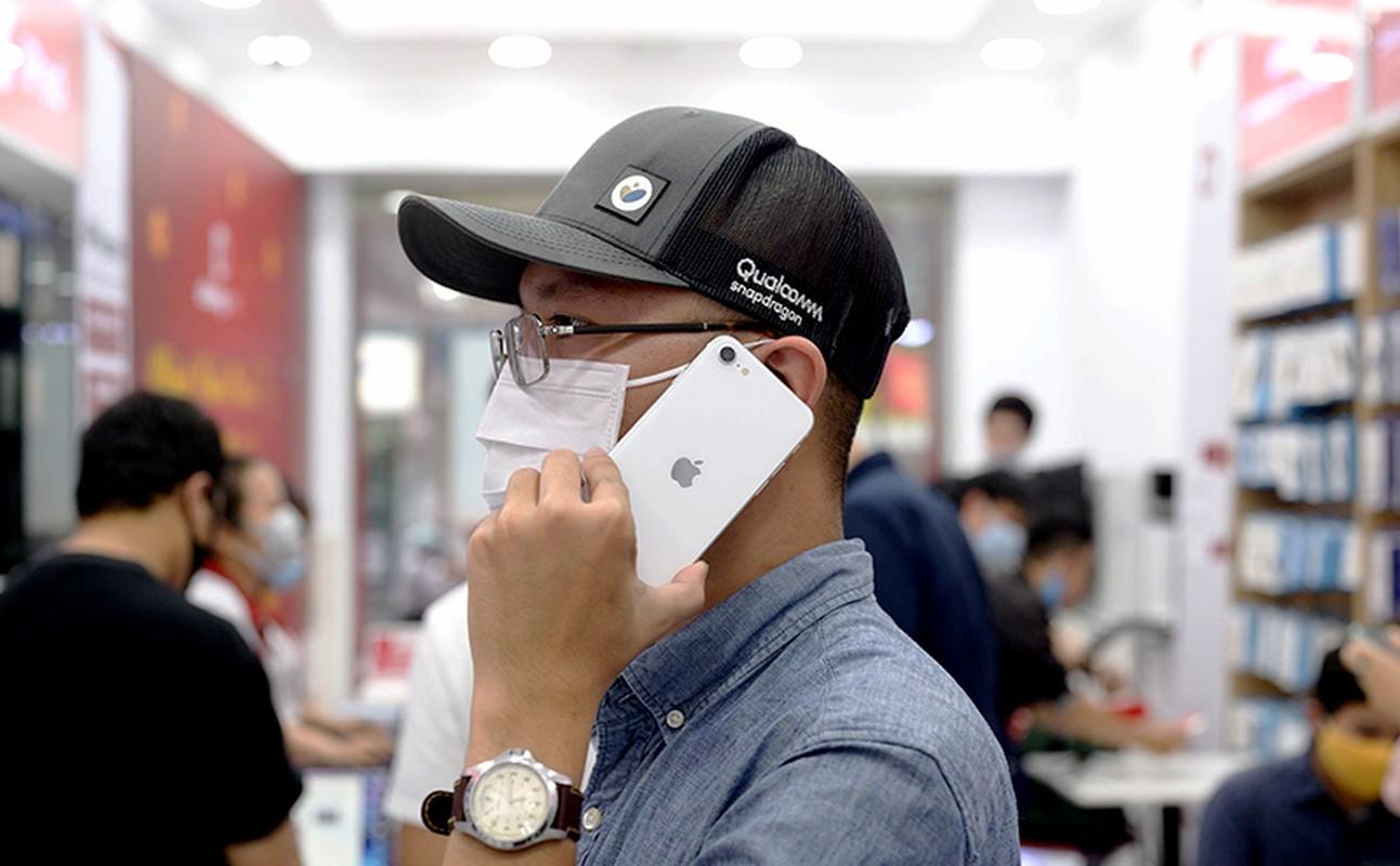 "iPhone SE 2020 ""cap ben"" Viet Nam: Fan Tao noi gi?-Hinh-4"